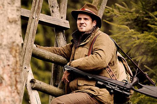 Abbigliamento e accessori caccia